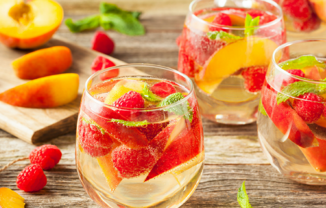 low-carb-summer-drinks-diabetes-1076x616